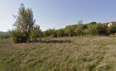 Una visuale del terreno prima dell'acquisto tratta da street view di google
