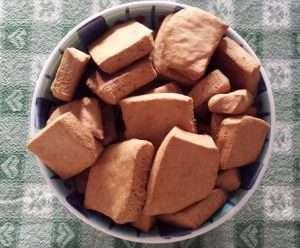 Biscotti fatti in casa con okara di mandorle