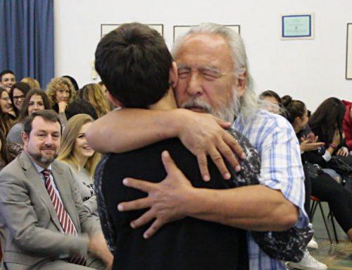 """A scuola con Angaangaq, lo zio della Groenlandia """"La speranza dell'Italia nel futuro dei giovani"""""""