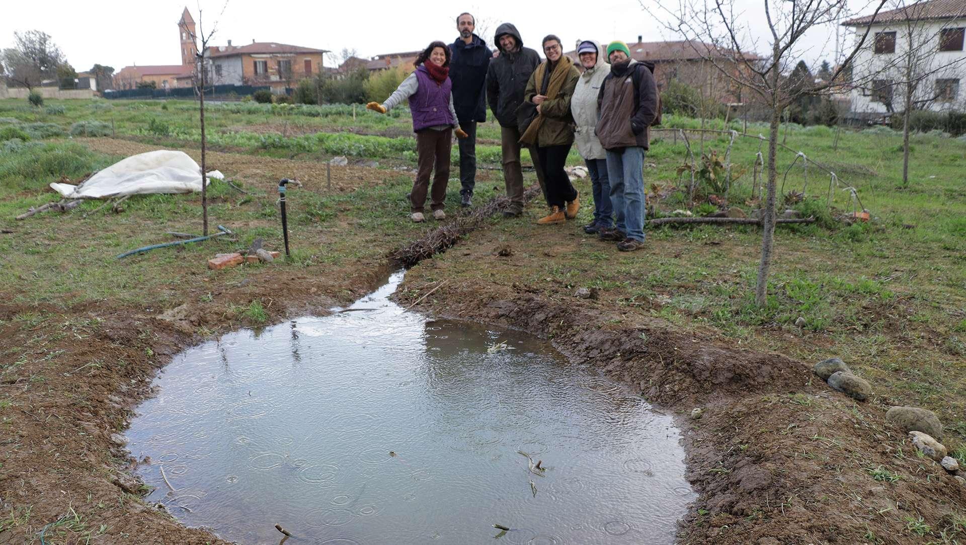 Come fare uno stagno costruire un laghetto in pochi e for Vasca per stagno