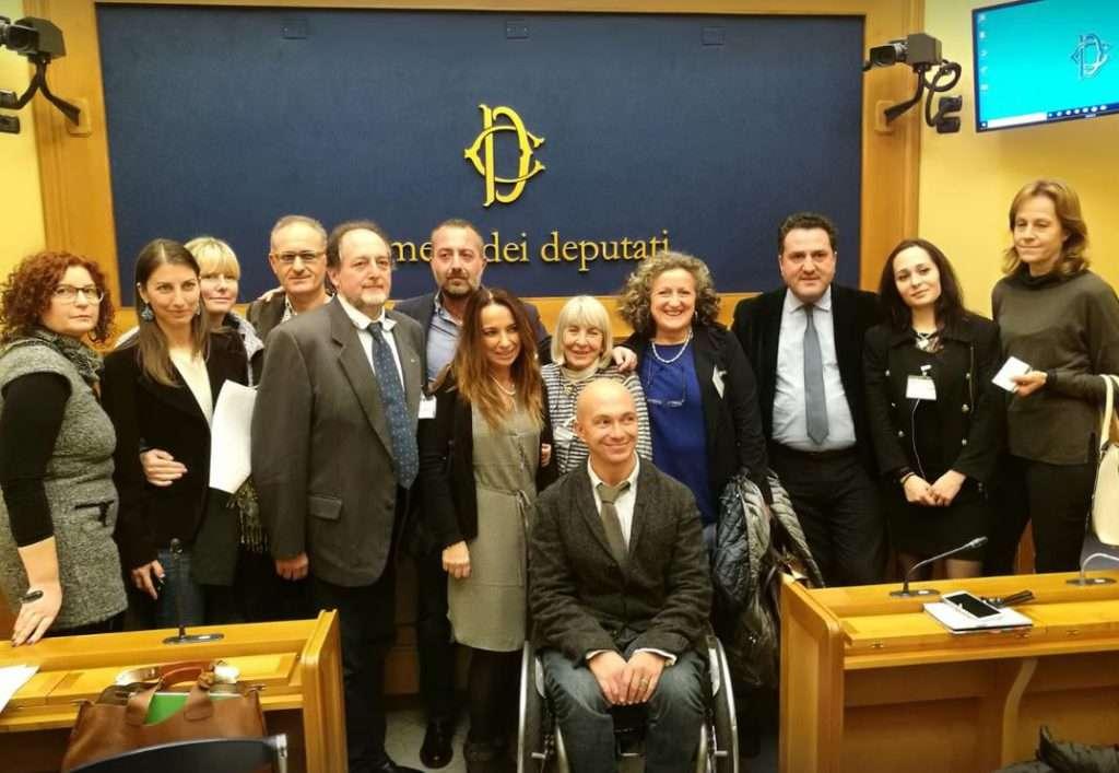 Camera dei Deputati, foto di gruppo con i promotori della petizione
