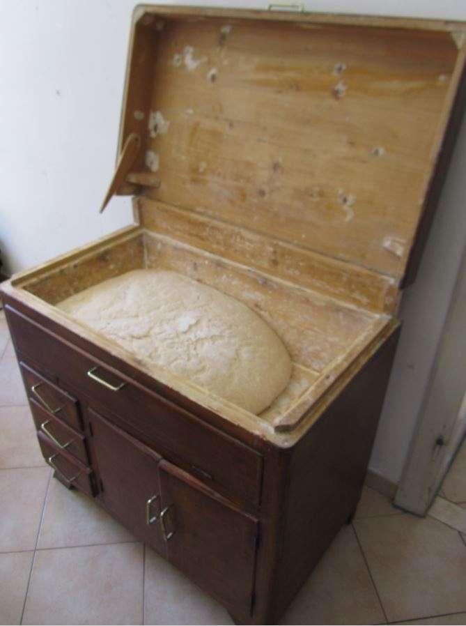 La madia veniva usata fare e conservare il pane
