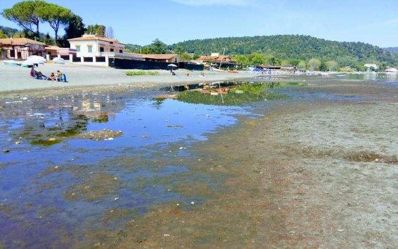 Scorcio del Lago di Bracciano nell'estate del 2017