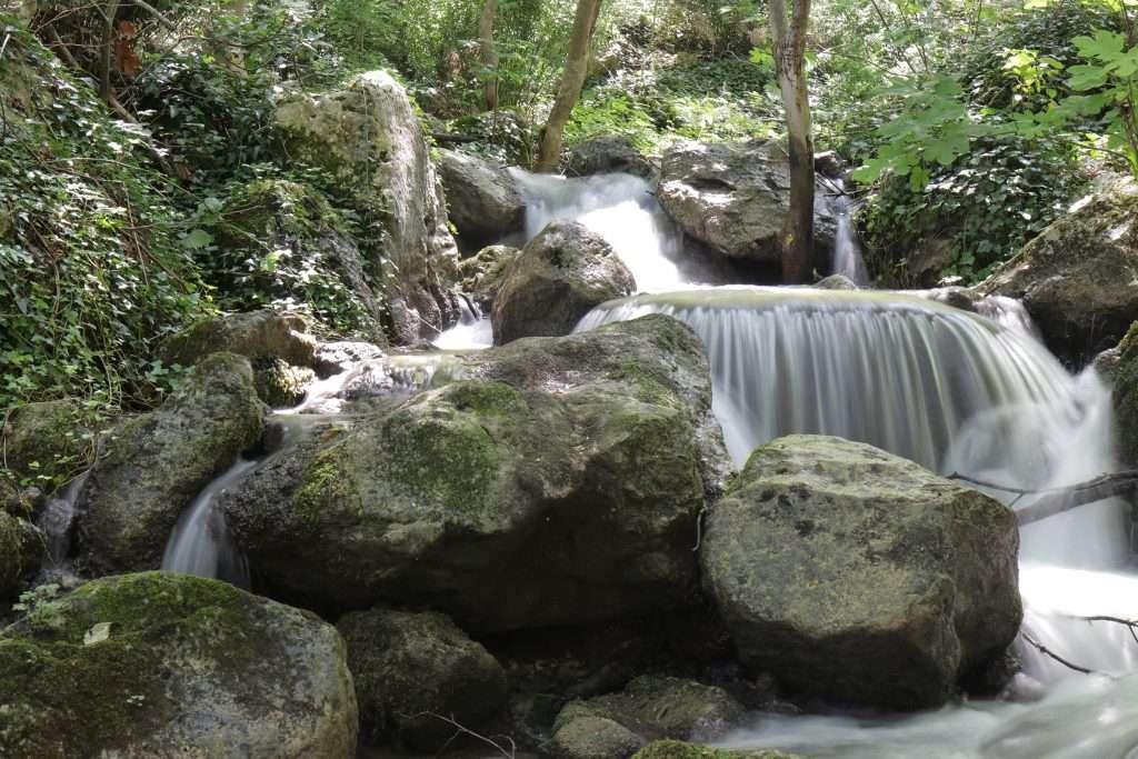 Piccola cascata sul fiume sagittario