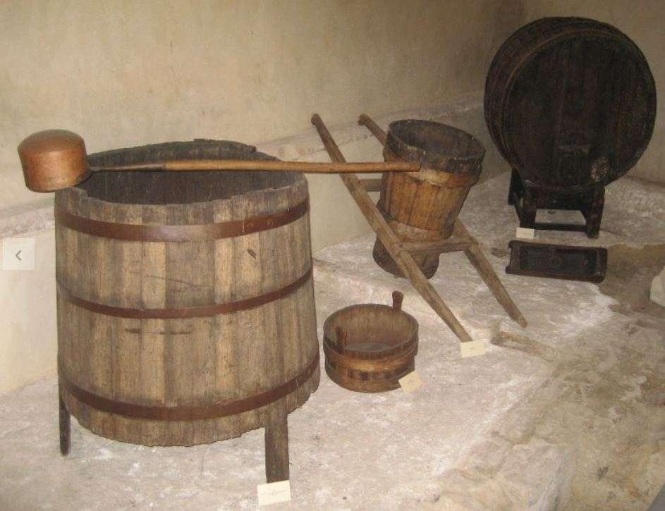 Vecchi attrezzi da cantina conservati nel museo San Francesco di Montefalco
